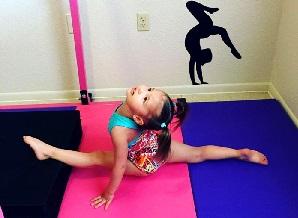 Emma 3-year-old gymnast